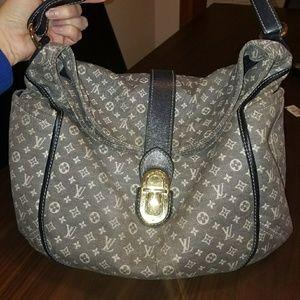Must go! Auth louis Vuitton purse